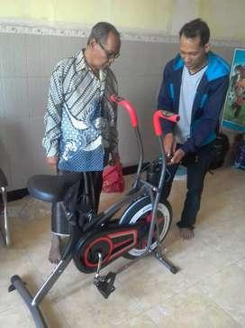 Sepeda statis dual teraphy kesehatan maxifitt 50 prinsporty