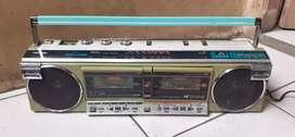 Jual radio Bomboox Toshiba vintage kondisi hidup kresek aja