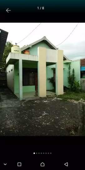 Rumah di pusat kota sukoharjo