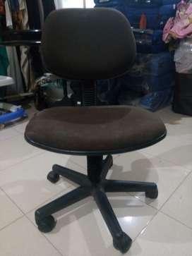 Meja rapat dan kurs