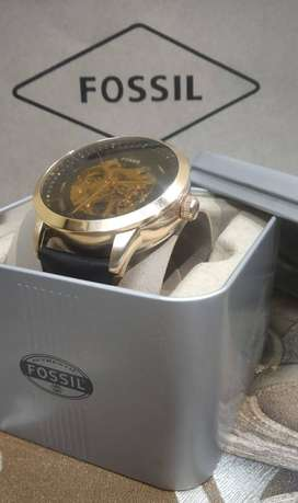 FOSSIL BRANDED AUTOMATIC WATCH PACKED CASH ON DELIVERY PRICE NEGOTIABL