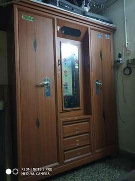 Triple door beero with dressing draw