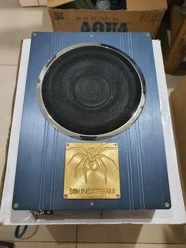 Subwoofer Kolong Soundstream RFM 8.2 Aktif build in amplifier 2 ch