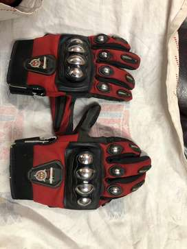 Antman gloves red colour