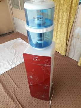 Water dispenser + fridge and water purifier almost new