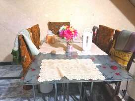 6 chairs table