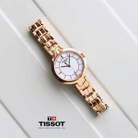 Branded Watch At Discounted Price For Women's