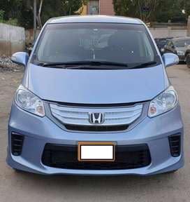 Honda freed hybrid get on easy installment