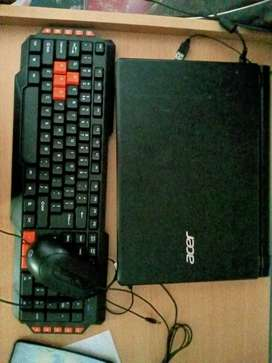 ACER ONE 14 z422 + Keyboard and mouse free but no Box
