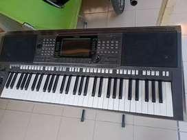 Jual keyboard yamaha psr s 770 bekas