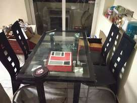 4 seater Dining table new condition 14000