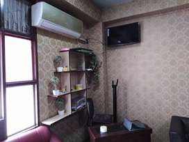 Chalta huwa ladies salon for sale