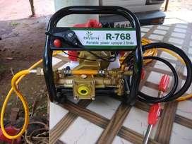 Vehicle washing pump