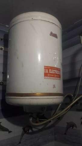 Electric geyser in best Condition