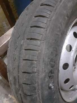 Want 2 sell tyre in very good condition