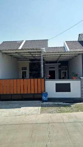 Rumah Baru Pinggir Jalan Raya di Ngaliyan