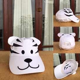 Topi anak putih 1