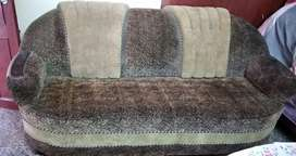 I want to sell my one year old 5 seater sofa
