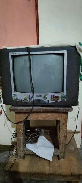 Oscar colour tv 7year old