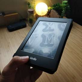 SECOND LIKE NEW Kindle Paperwhite 6th Gen No Ads 4GB + Leather Case