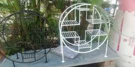 Circular gamla stand 3ft height (approx) available