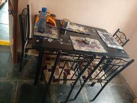 Dyning table glass