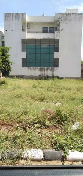 East facing 161 gaj plot near 80 ft road  for sale