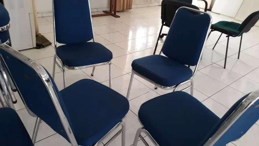 Kami ada kursi senilai 241rb 0
