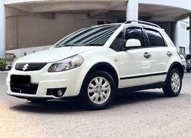 [DP 15jt] Suzuki SX4 1.5 X-Over AT 2011 Putih [autowhiz]