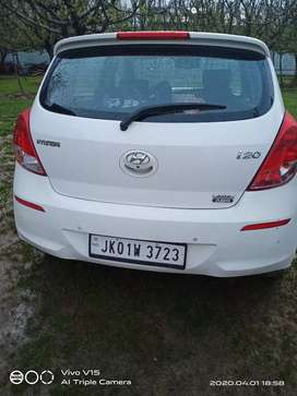 Hyundai I20 2014 with smart key fully loaded top end model