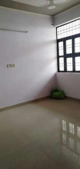 Two room set बल्लागढ़-62-64-65 मे किराये के लिये फ्लेट ब फ्लोर मिलते ह