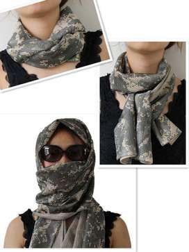 November : Camouflage Scarf kain