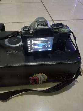 Mirrorless OLYMPUS EM10 Body Only mark 1 LOW SHUTTER