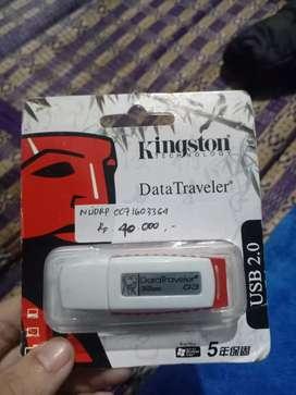 Flashdisk merk Kingston 32gb