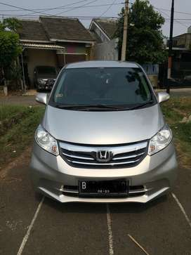 Honda Freed 2013 type S double blower (cash atau take over kredit)