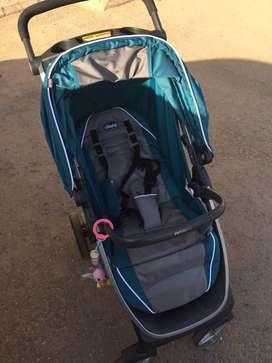 Chicco Bravo Trio Travel System- Stroller and Car Seat