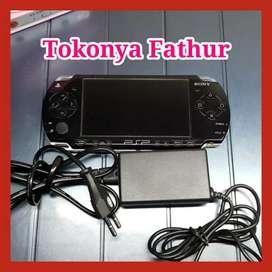 Sony psp playstation portable seri 2000 slim and lite (baca deskripsi)