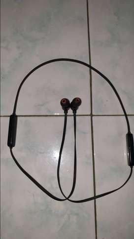 JBL T110BT wireless in-hear headphones