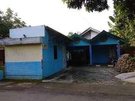 Dijual Rumah Beserta Kamar Kost dan Kios Warung