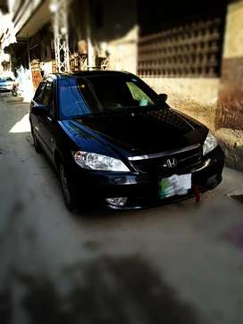 Honda civic in genuine condtion for details sms anytme & call aftr 4pm