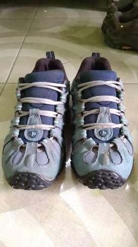 Sepatu Hiking /Gunung