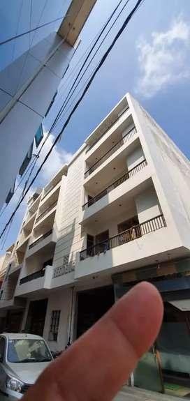 2 bhk builder floor sector 4 service road...cancon enclave