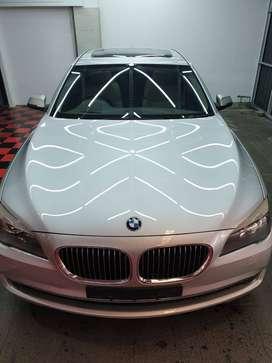 BMW 750 LI, karena disini tidak ada pilihan 750LI