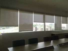 Roller blind semi dime out