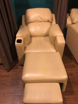 Kursi Pijat Refleksi bagus dan Empuk untuk tempat refleksi..