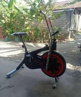 rasakan manfaatnya/Sepeda statis new/plat bike 2in1