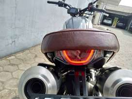 Motor Benelli TNT 249 S 250 Custom Moge Ducati Scrambler 1100 Special