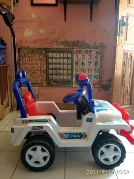 mobil dorong anak jeep polisi