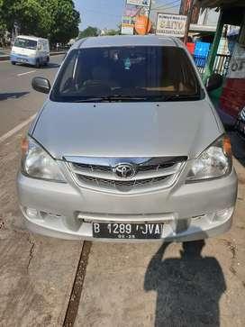Toyota avanza 1,3 tipe E Automatic tahun 2010 pajak hidup Silver