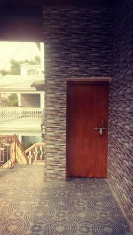Newly renovated house with 2bedroom n attached bathroom wit 24hrwater